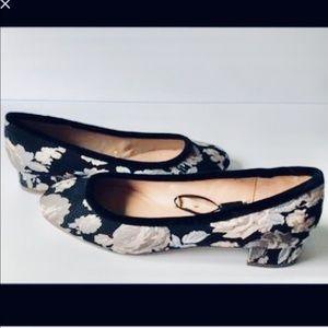 🌸 ZARA Trafaluc Floral Print Loafer Flats Heels